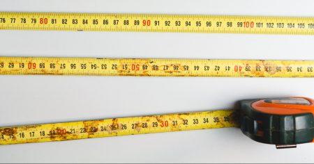Boligen måles opp for å finne P-rom.
