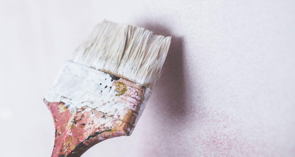 maling og sparkling av skruehull ved flytting